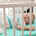 Prima iarna a bebelusului – ce rol important are patutul aici?